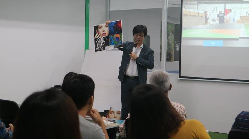 Stephan Kim, Sale Manager HP nói về ứng dụng của máy in HP Latex phẳng